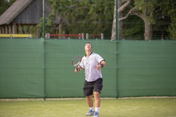 -Rouge-Tennise-avamine-44