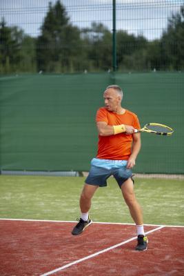 -Rouge-Tennise-avamine-55