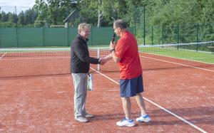 -Rouge-Tennise-avamine-25