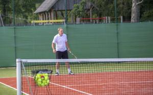 -Rouge-Tennise-avamine-41