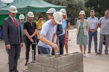Voru-tervisekeskuse-nurgakivi-panek-45