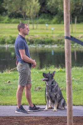 Vrumaa-koeraomanikud-kogusid-taas-toetust-varjupaigas-peatuvatele-loomadele-22